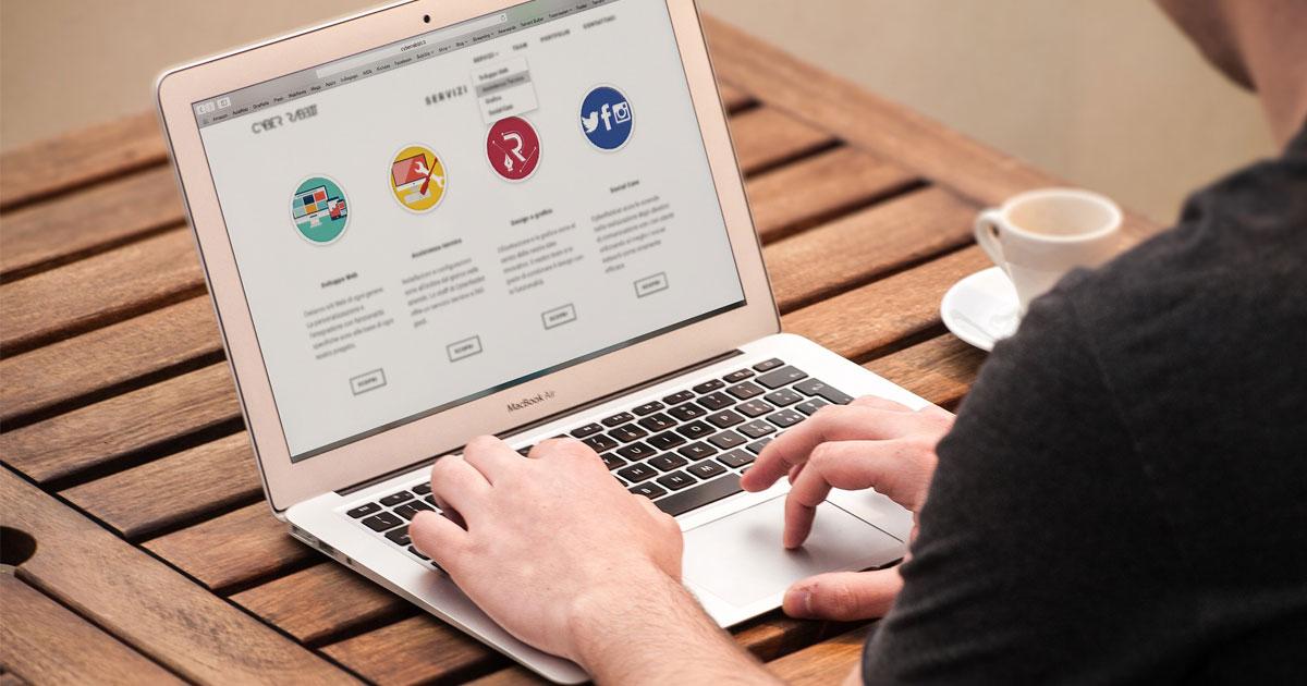 thiết kế website quản lý nhân sự